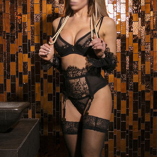 Poledance and striptease by high class escort