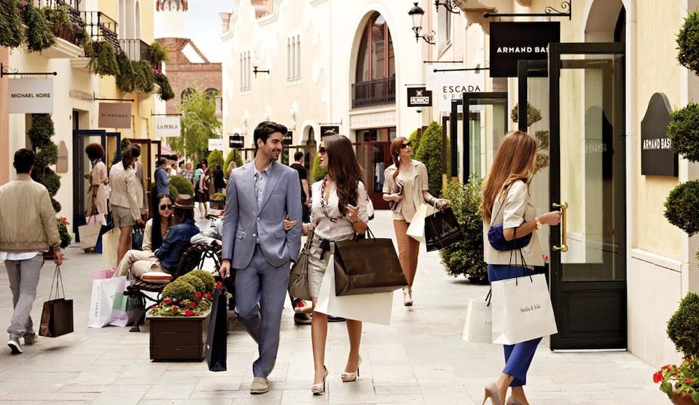 A day out luxury shopping with your high class escort