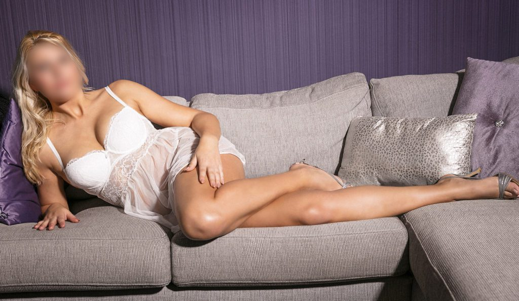 Vivienne is a high class escort from the Den Bosch area